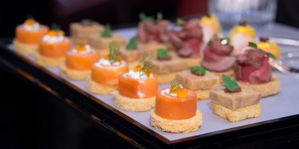 canape-anchoas-queso-crema-salmon-ahumado-e1566545215468