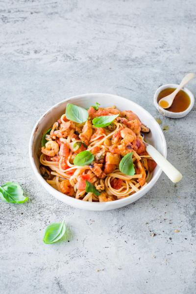 00015_-Meeresfruechte-Linguini-in-Tomaten-Orangensosse-12